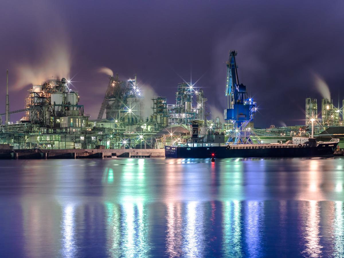 Complesso industriale di Shunan visto di notte_2