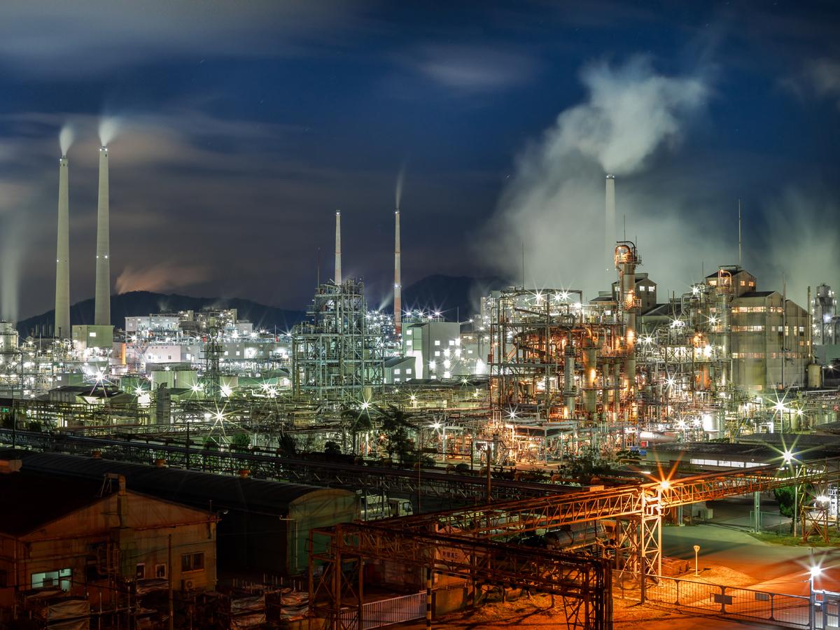 Complesso industriale di Shunan visto di notte_3