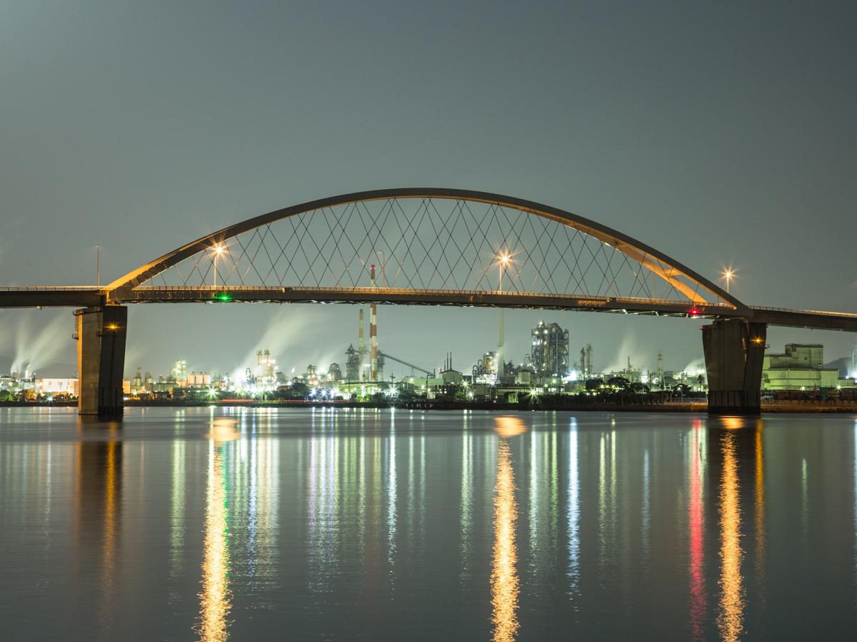 Complesso industriale di Shunan visto di notte_4