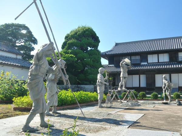 Ai-no-Yakata_2